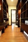 περίπατος ντουλαπιών στοκ εικόνα