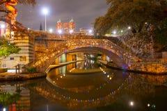 Περίπατος ποταμών του San Antonio τη νύχτα, Τέξας, ΗΠΑ στοκ φωτογραφία
