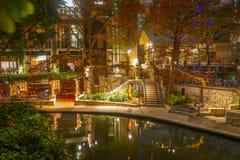 Περίπατος ποταμών του San Antonio τη νύχτα, Τέξας, ΗΠΑ στοκ εικόνες