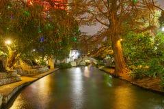 Περίπατος ποταμών του San Antonio τη νύχτα, Τέξας, ΗΠΑ στοκ φωτογραφίες