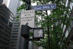 Περίπατος στη 39η οδό σε NYC στοκ εικόνα