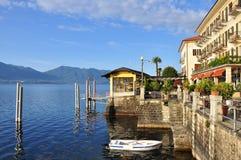 Περίπατος Riviera Cannero lakefront, λίμνη (lago) Maggiore, Ιταλία στοκ φωτογραφία με δικαίωμα ελεύθερης χρήσης