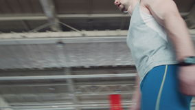 Περίπατος Sprinter στο τρέξιμο της διαδρομής Προετοιμάζεται για την έναρξη φιλμ μικρού μήκους