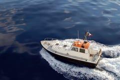 περίπολος costline βαρκών πειρα& Στοκ εικόνα με δικαίωμα ελεύθερης χρήσης