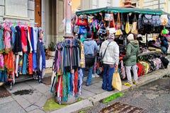 Περίπτερο για την πώληση των μαντίλι Στοκ Εικόνες