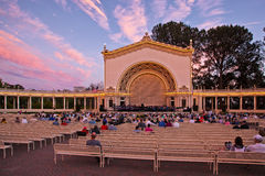 Περίπτερο οργάνων Spreckels στο ηλιοβασίλεμα, πάρκο BALBOA, Σαν Ντιέγκο, Καλιφόρνια στοκ εικόνα
