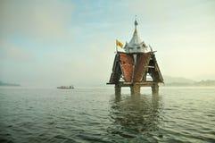 Περίπτερο στη λίμνη Στοκ εικόνες με δικαίωμα ελεύθερης χρήσης