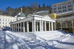 Περίπτερο της διαγώνιας άνοιξης - χειμερινή φωτογραφία - Marianske Lazne - Δημοκρατία της Τσεχίας Στοκ Φωτογραφία