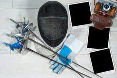 Περίφραξη - παλαιά πλαίσια καμερών και φωτογραφιών στοκ φωτογραφία με δικαίωμα ελεύθερης χρήσης