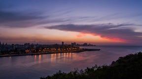 Περίχωρα κόλπων της Αβάνας, που βλέπουν στο ηλιοβασίλεμα στοκ εικόνες με δικαίωμα ελεύθερης χρήσης