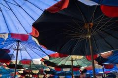 Περίληψη κάτω από τη μεγάλη ομπρέλα Στοκ Εικόνες
