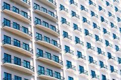 Περίληψη και σχέδιο της οικοδόμησης παραθύρων Στοκ Εικόνες