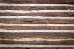 Περίληψη του εκλεκτής ποιότητας παλαιού τοίχου καμπινών κούτσουρων Στοκ Φωτογραφίες