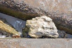 Περίληψη: Τσιμέντο και βράχος Στοκ Φωτογραφία