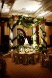 περιβάλλων γάμος οργάνωσης κέικ επιμελημένος στοκ φωτογραφία με δικαίωμα ελεύθερης χρήσης