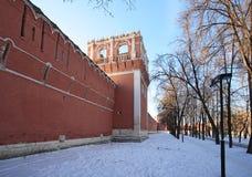 Περιβάλλων τοίχος μοναστηριών Donskoy. Στοκ εικόνες με δικαίωμα ελεύθερης χρήσης