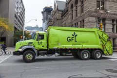 Περιβαλλοντικό φορτηγό υπηρεσιών στο Τορόντο, Καναδάς Στοκ Εικόνες