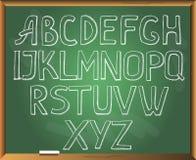 Περιγραμματικό αλφάβητο στο υπόβαθρο πινάκων κιμωλίας Στοκ Εικόνα