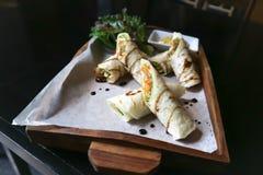 Περικάλυμμα σαλάτας κοτόπουλου ή περικάλυμμα σαλάτας Στοκ φωτογραφία με δικαίωμα ελεύθερης χρήσης