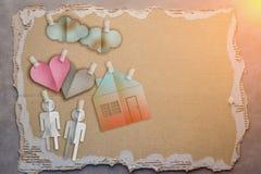 Περικοπή εγγράφου οικογενειακών σπιτιών Στοκ φωτογραφίες με δικαίωμα ελεύθερης χρήσης