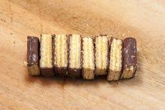 Περικοπή των γκοφρετών σοκολάτας Στοκ εικόνα με δικαίωμα ελεύθερης χρήσης