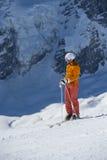 Περιμένοντας για να κάνει σκι προς τα κάτω την έναρξη Στοκ Εικόνα
