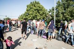 Περιμένοντας γραμμή προσφύγων σε Tovarnik Στοκ εικόνες με δικαίωμα ελεύθερης χρήσης