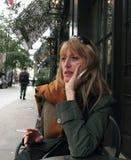 περιμένοντας γυναίκα στοκ φωτογραφία