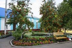 Περιοχή αναψυχής στο έδαφος της Ορθόδοξης Εκκλησίας στην πόλη Petrovsk, περιοχή του Σαράτοβ στοκ φωτογραφία