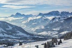 Περιοχή σκι μεγάλου υψομέτρου Στοκ Εικόνες