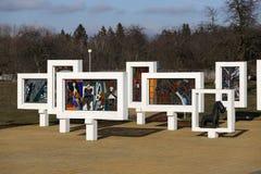 Περιοχή Gomel, περιοχή Zhlobin, ΚΟΚΚΙΝΟ ΧΩΡΙΟ ΠΑΡΑΛΙΩΝ, Λευκορωσία - 16 Μαρτίου 2016: Αναμνηστικός σύνθετος στην κόκκινη παραλία Στοκ Φωτογραφία