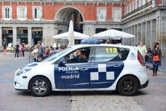 Περιπολικό της Αστυνομίας της Μαδρίτης στο δήμαρχο Plaza στη Μαδρίτη, Ισπανία Στοκ φωτογραφία με δικαίωμα ελεύθερης χρήσης