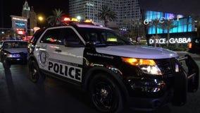Περιπολικό της Αστυνομίας του Λας Βέγκας στη λουρίδα τή νύχτα - ΗΠΑ 2017 απόθεμα βίντεο