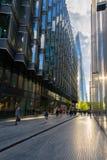 Περισσότερη όχθη ποταμού του Λονδίνου και ο ουρανοξύστης Shard στο Λονδίνο Στοκ φωτογραφίες με δικαίωμα ελεύθερης χρήσης