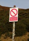 περισσότερο η προειδοποίηση σημαδιών σημαδιών χαρτοφυλακίων μου Στοκ φωτογραφία με δικαίωμα ελεύθερης χρήσης