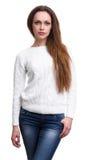 Περιστασιακή όμορφη γυναίκα που φορά το πουλόβερ απομονωμένος στοκ εικόνα με δικαίωμα ελεύθερης χρήσης