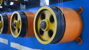 Περιστρεφόμενες επενδεδυμένες με καουτσούκ ρόδες της άνεμος μηχανής φιλμ μικρού μήκους