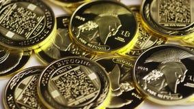 Περιστρεφόμενος πυροβολισμός του ψηφιακού cryptocurrency Bitcoins απόθεμα βίντεο