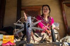 Περιστρεφόμενο μαλλί Νεπάλ Στοκ φωτογραφίες με δικαίωμα ελεύθερης χρήσης