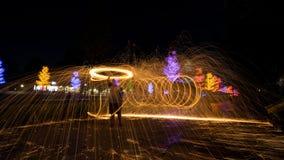 Περιστροφή πυρκαγιάς από το μαλλί χάλυβα Στοκ Εικόνες