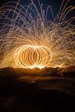 Περιστροφή πυρκαγιάς από το μαλλί χάλυβα Στοκ φωτογραφίες με δικαίωμα ελεύθερης χρήσης