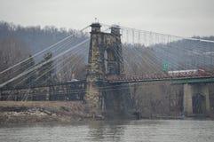 Περιστροφή της γέφυρας αναστολής της δυτικής Βιρτζίνια στοκ φωτογραφίες με δικαίωμα ελεύθερης χρήσης