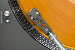 Περιστροφική πλάκα με το πορτοκαλί βινυλίου αρχείο Στοκ Φωτογραφία