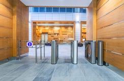 Περιστροφική πύλη στο εμπορικό κέντρο Στοκ φωτογραφίες με δικαίωμα ελεύθερης χρήσης