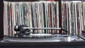 Περιστροφική πλάκα του DJ στο βινυλίου υπόβαθρο Στοκ φωτογραφία με δικαίωμα ελεύθερης χρήσης