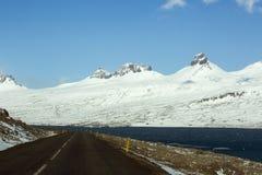 Περιφερειακή οδός στην Ισλανδία, άνοιξη Στοκ Φωτογραφία