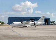 περιφερειακό turboprop ταξιδιού αεροπλάνων στοκ εικόνες