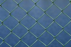 Περιφράζοντας δίκτυο στη λίμνη Στοκ εικόνα με δικαίωμα ελεύθερης χρήσης