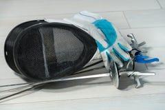 Περιφράζοντας εξοπλισμός φύλλων αλουμινίου στοκ εικόνα με δικαίωμα ελεύθερης χρήσης