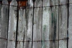 περιφράξτε τους θερινούς ηλίανθους λιβαδιών ξύλινους Στοκ Φωτογραφία